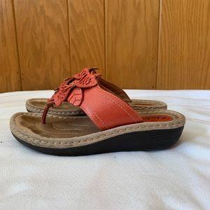 Clark's Artisan Size 7 Floral Wedge Sandal